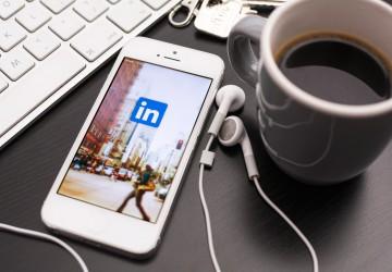 ¿Por qué la experiencia de usuario móvil en Linkedin es inferior a la de Twitter o Facebook?