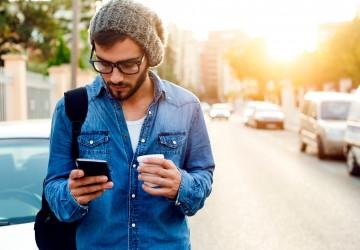 Internet en el móvil crece mientras otros medios caen