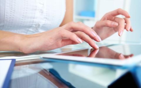 El 50% de empresas de seguros responde a sus clientes en redes sociales